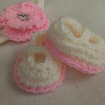 Pink White Mary Jane Booties Flower Headband Preemie Newborn 0-3 Months Crochet Photo Prop
